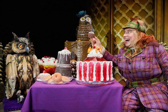 Awful Auntie Touring ★★★★★ My Theatre Mates